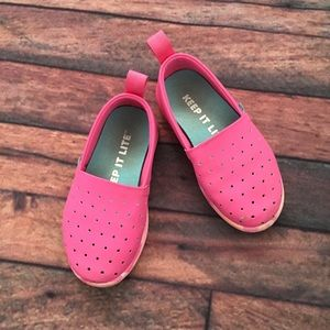 Native pink shoes